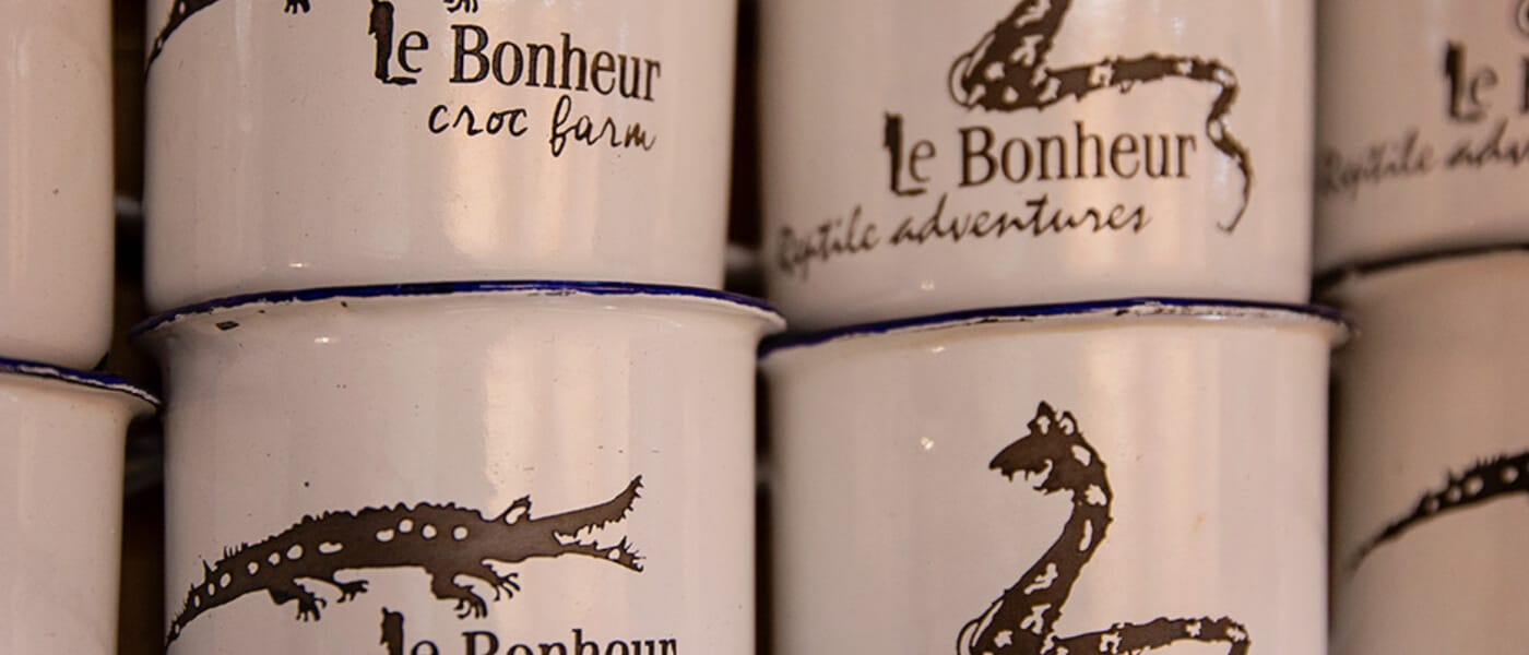 Le Bonheur camping mugs